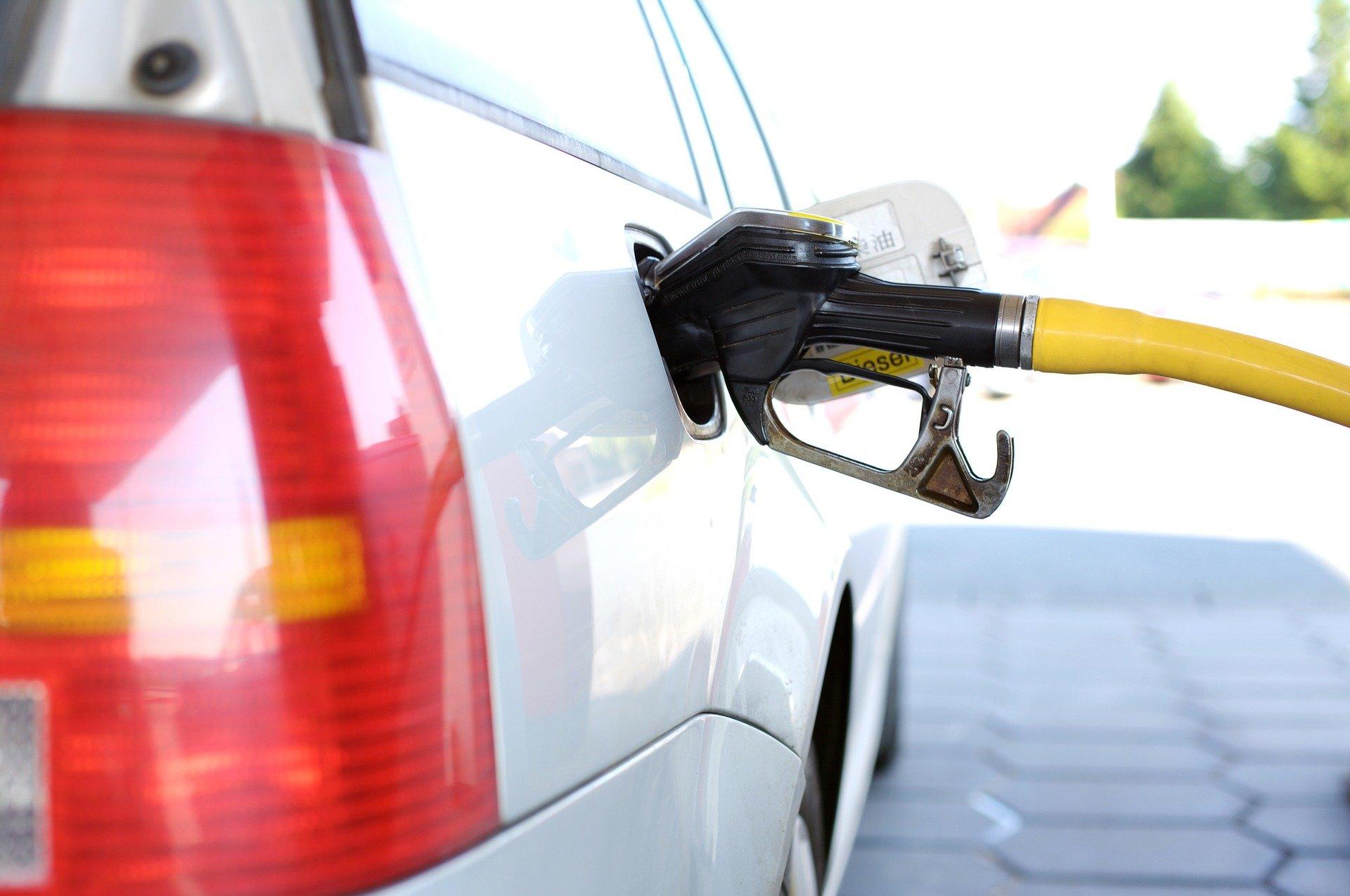 Neuerungen: CO₂-Steuer erhöht Heiz- und Spritkosten